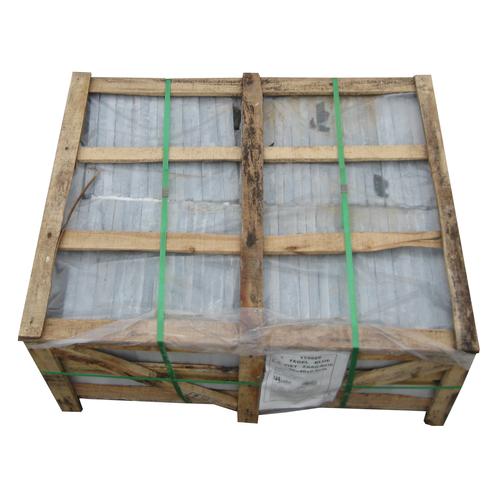 Coeck blauwe hardsteen Vietnam gezaagd 30x30x2,5cm+ 1 kist 160 stuks