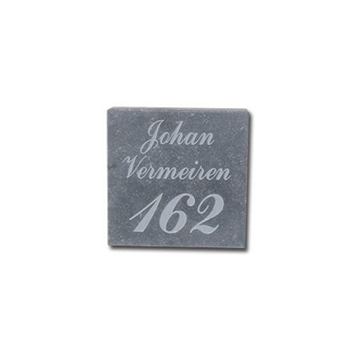 Gravure VASP '18/18' numéro pierre bleue belge gris clair