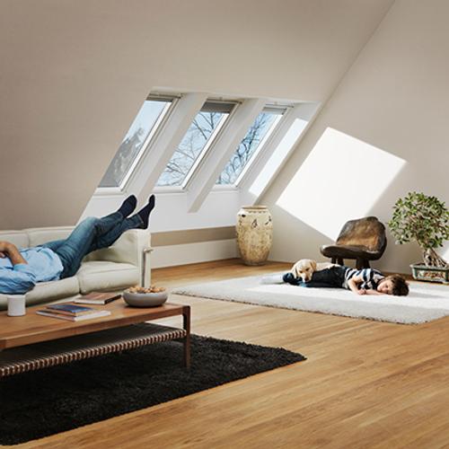 Velux dakvenster manueel wentelend 'Energy & Comfort' wit 78 x 55 cm