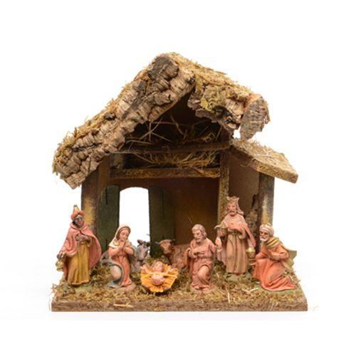 Kerststal 27 x 17 x 26 cm en 8 beeldjes 10 cm